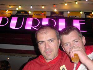 Titou et Olivier devant le O'Purple aux ferias de Dax 2004