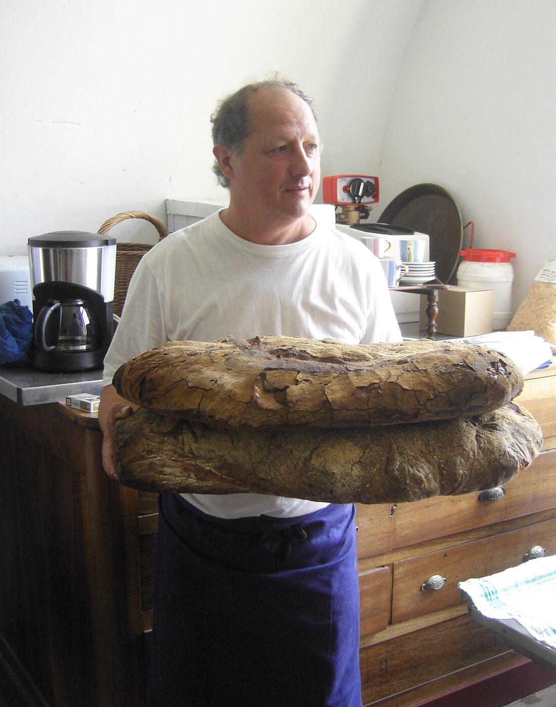 JP avec 2 gros pains de campagne