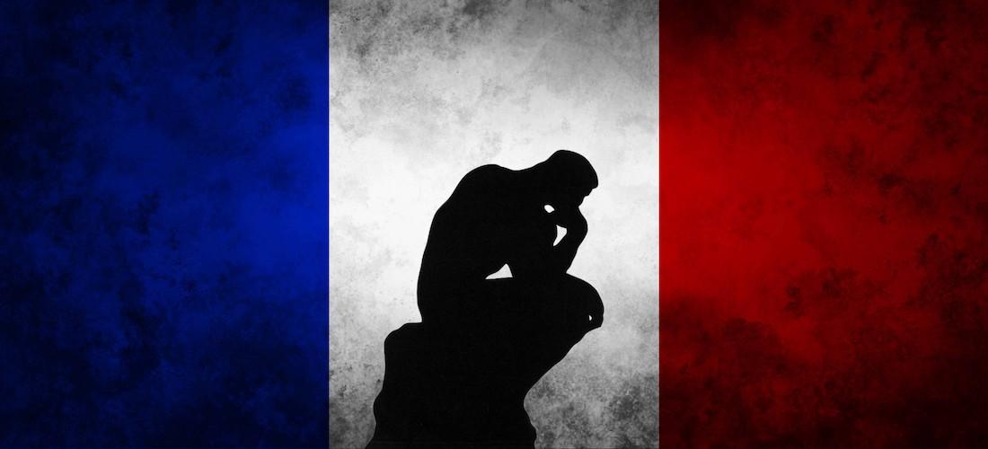 Ombre du penseur de Rodin sur fond de drapeau de La France